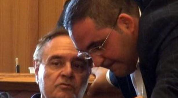 I consiglieri sfiduciati dal PD, De Pierro, Del Vecchio e Lepore sostengono la maggioranza e il palazzo Lumode sul terminal bus