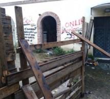 Mercato dei commestibili ancora devastato, nonostante le promesse di Mastella. Che dicono l'assessore Pasquariello e la stampa amica?