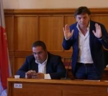 """Mastella si dimette per gli """"arraffa arraffa"""" di parte dei suoi consiglieri e spera di avere l'appoggio di alcuni del PD"""
