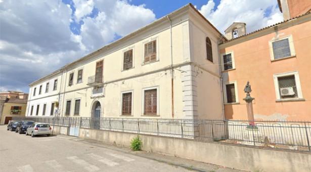 L'Ente Morale San Filippo Neri, invece di recuperare risorse per l'assistenza svende un terreno edificabile